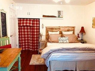Private, Self contained 2 Bdrm w/ courtyard, Pool, Hot Tub and Fireside Fun.