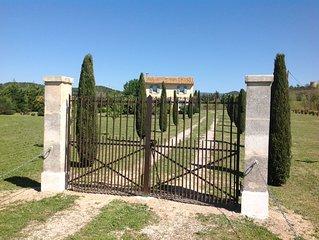 Athentique mazet de Provence au coeur du Luberon 4 personnes 2 chambres