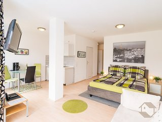 Apartment 3/4, black and white, 30 m2, for 1-3 people