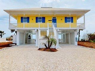 No Fees! Beachfront, Plantation, Pool, Hot Tub, Pets OK, 4br/3ba 'A Seaside Retr