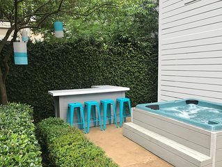 Midtown 3/3 Townhouse in the Heart of it All - Patio With Bar & Hot Tub!