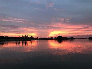 Bay Front - 'Villa La - Vue', Incredible Bay & Golf Course Views!  Sleeps 15.