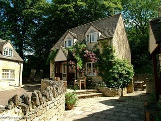 Emma Dent; Sudeley Castle, Cotswolds - sleeps 6 guests  in 2 bedrooms
