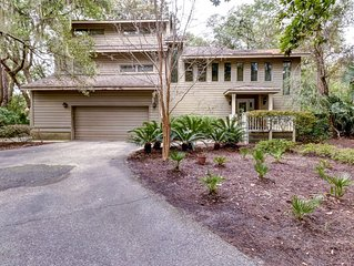 Spacious home on Cougar Point's 11th fairway-350 yards to the beach