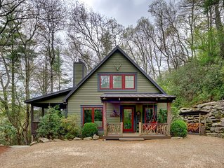 Camp Carlee - Private Retreat - 3 Minutes to Main Street!