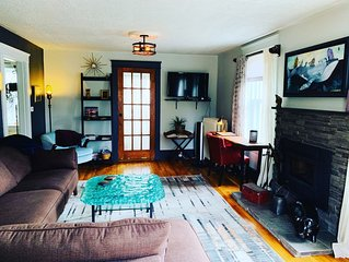 Cottage on Kent - Downtown Suite for Two