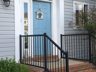 Large recently renovated townhouse -1.5 miles from Lewes Beach-