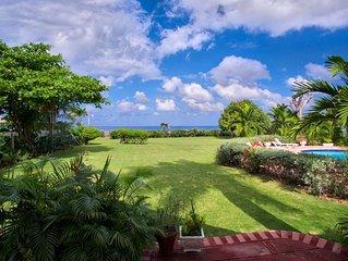 Sunspot Villa 4 BEDROOMS (Runaway Bay, North Coast Beach)