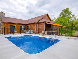 Newly remodeled 4 bedroom pet friendly lodge with seasonal in ground pool. Close