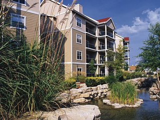 AMAZING!!! World Class Entertainment at Branson Shows -  2 Bedroom Condo