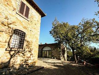 Casa colonica immersa nel cuore del Chianti  con piscina