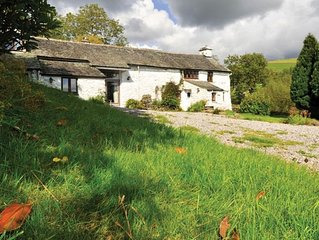 Rawe Cottage - Four Bedroom House, Sleeps 9