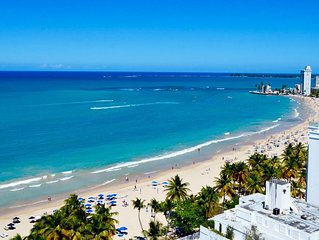 tdOverlooks Gorgeous Isla Verde Beach-Walk to Restaurants