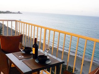 ovFantastic View-Directly on Gorgeous Beach-Steps to Restaurants