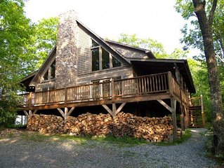 Mountain Masterpeace 3 Bedroom 2.5 Bath Log Cabin in Banner Elk NC