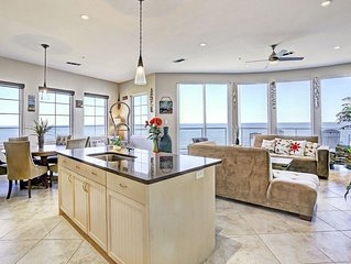 Top Floor Diamond Beach 701-Queen of Diamonds has amazing ocean and city views!