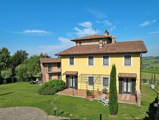Apartment Residence La Corte Bricca  in Castana, Piedmont - 3 persons, 1 bedroom