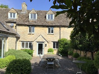 Explore Oxford and the Cotswolds from Charming, Spacious 17th Century Cottage
