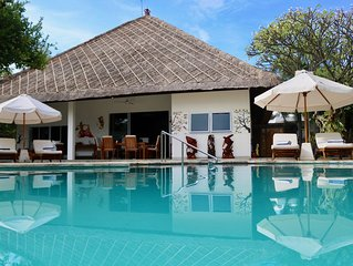 Villa Pantai: Luxury and spacious beach front villa with private pool and staff