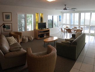 3BR Opposite the Beach - Stroll to River, Shops, Restaurants and Cafes