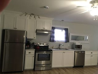 Studio Apartment with Full Kitchen, Minutes from Charlottetown, Beaches, Golf