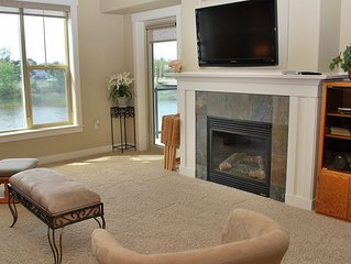 2Bed/2Bath Upscale, River Front Condos. Close to Beach & Convention Ctr