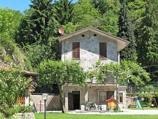 Ferienwohnung Cà Scingaglio (BLL300) in Bellano - 6 Personen, 3 Schlafzimmer