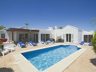 Villa Isabelle has the 'LOCATION' situated in Risco Prieto, Old Town, PDC