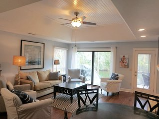 Renovated Greenslake Cottage-Lagoon View-Plan your 2021 beach trip now!
