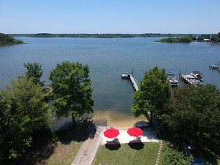Santee Lake Marion Lakefront! Sandy Beach, Boat Ramp, Sleeps 19, Wi-Fi, Cable