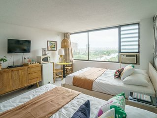 """Old Hawaii' Great Location at Waikiki (H7)"