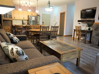 Premium 2 Bedroom, 2 Bath Condo - Lodges at Canmore (*Reduced summer rates!*)