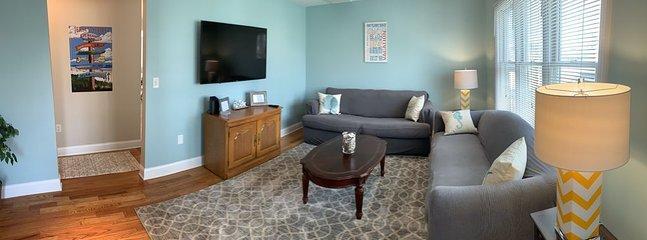 Nuova TV in soggiorno con divano Queen Pull Out. Netflix / DVD / Wii disponibili