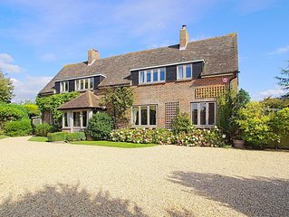 Large  harbour side holiday house  close to the  beach Chichester  & Goodwood