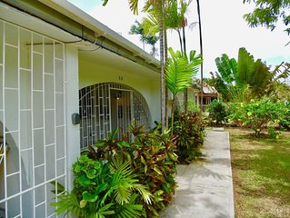 Smart One bedroom self catering apartment in Holetown, Saint James,  Barbados