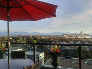 THE REEF-Stunning Ultra-Modern Oceanview Penthouse Downtown