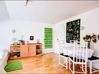 Gemütliches Appartement mit extra Küche, Bad, Whirlpool, Dusche und Badewanne.