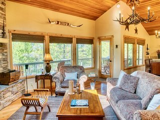 Rustic Luxury at Chalet Sarlat:  Lodge-Style Home in Sunriver with A/C & SHARC