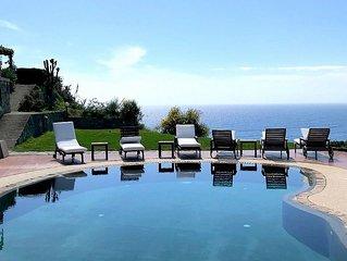 Villa Alisea: Una splendida villa su due piani situata su una collina.