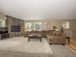 Garret's Place: 4 BR / 4 BA house/cabin in Tahoe City, Sleeps 8