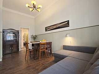 Large Apartment w/ two Bathrooms on Quiet Side Street in Prenzlauer Berg