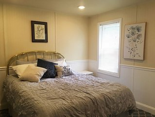 Downtown Annapolis - Newly Renovate 1st Floor Apartment - 2 Blocks from Town