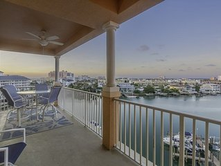 Waterfront Condo - Pool and Amazing Views!