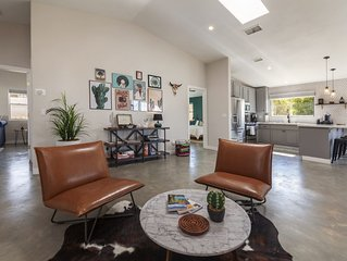 Eclectic House in Joshua Tree! Close to the National Park entrance and down town