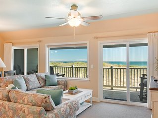 Tranquil Treasure:Oceanfront 2 bedroom condo, watch the sunrise from your balcon
