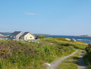 Idyllic Oceanfront Cottage, Near Peggy's Cove!