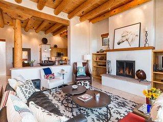 Casa de Caballo, 2 Bedrooms, Sleeps 6, Patio, Pool Access, Fireplaces