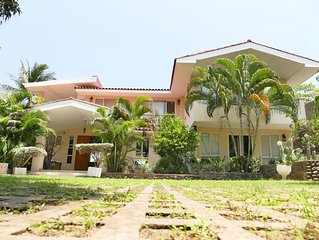 6,000 Square feet Ocean Front Property, In El Zonte, 4 Bedrooms And 4 1/2 Baths