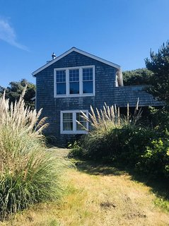 Beautiful Large Home Close to the Beach! Room for Everybody!