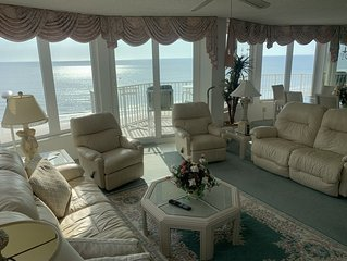 Direct Ocean Front, 701 3BR/3BA  BEAUTIFUL Beach and River
